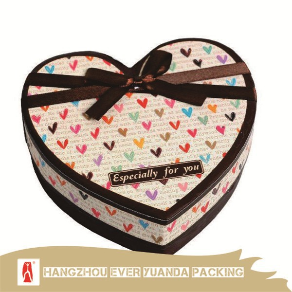 China Fancy Heart Shape Safe Chocolate Food Boxes For Cake