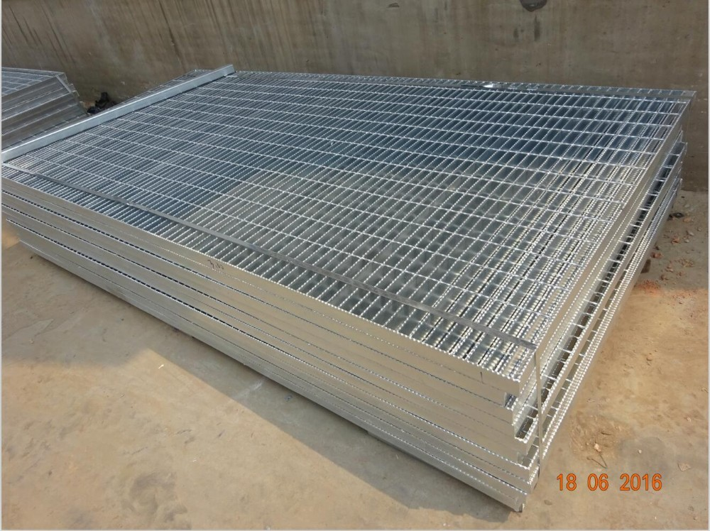 Hot Dip Sidewalk Grates Road Drainage Steel Grating