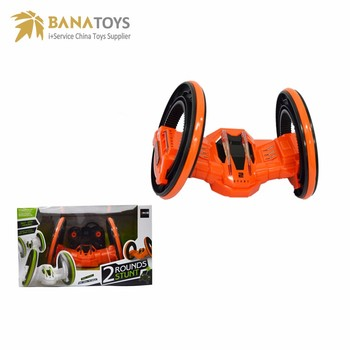 2 round stunt rc car with light