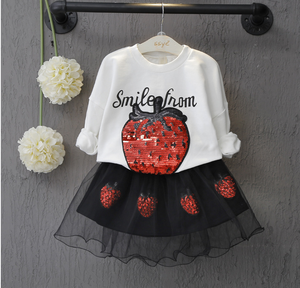 B40118A Cute kids clothing sets girls strawberry sweaters and skirt