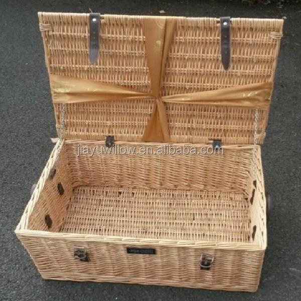 Christmas food delivery wicker basket ribbon gift hamper basket