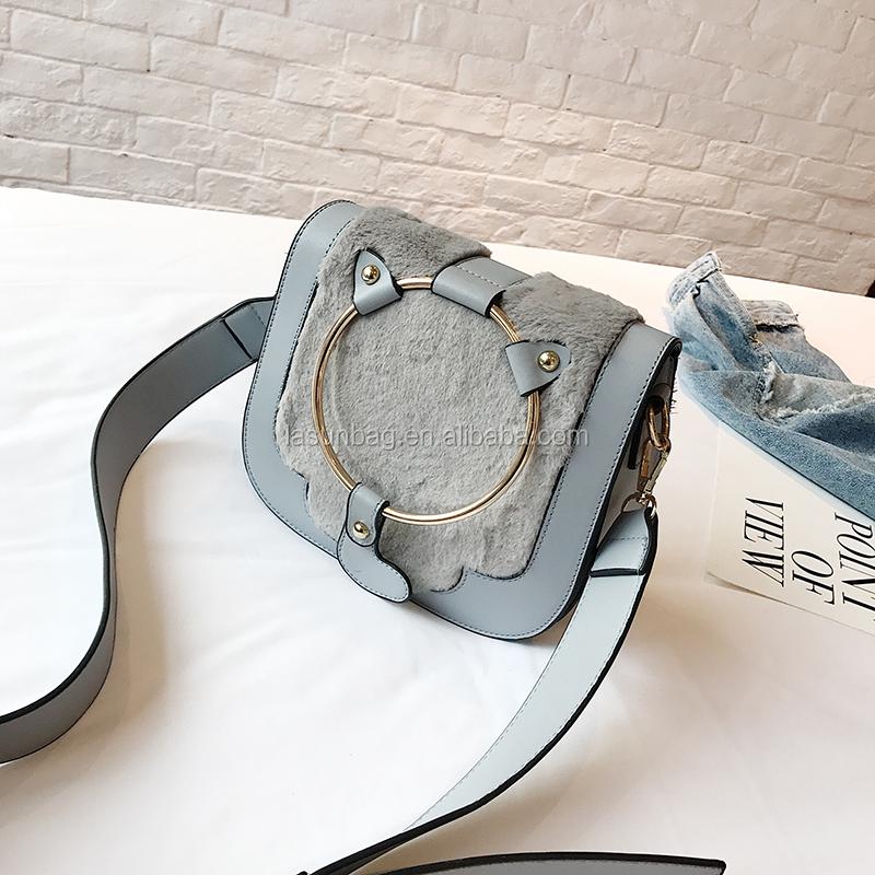 2ecdb44f3 2018 lindo diseño del gato de La felpa del bolso Correa larga para niñas