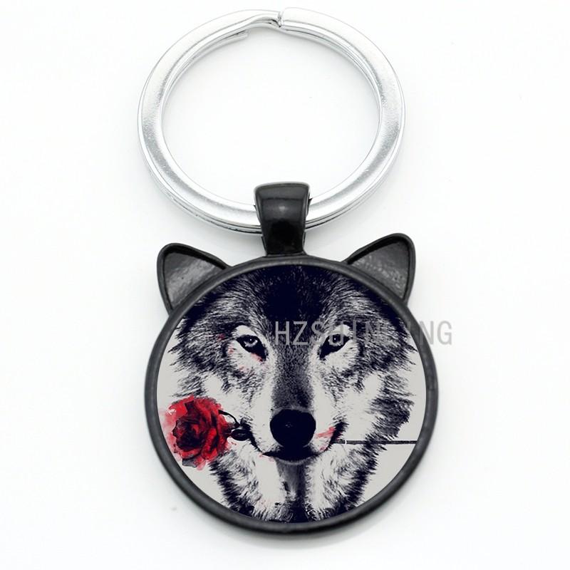 Vintage Black Wolf With Flower Rose Keychain Snarl Snow Wolf Keyring