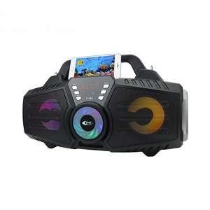 Sturdy design fast recharging indoor wireless disco light speaker with microphone jack