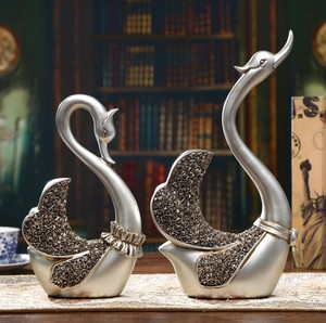 Hot Selling New Style Home Decorative Swan Statues Wholesale Resin Animal Figurines