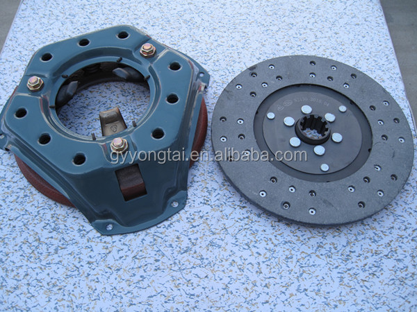 Agricultural tractor clutch disc and pressure plate assembly