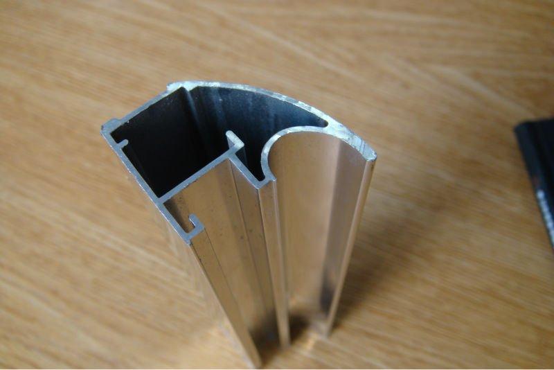 profil en aluminium pour porte coulissante sl714 poign e boutons de meubles id de produit. Black Bedroom Furniture Sets. Home Design Ideas