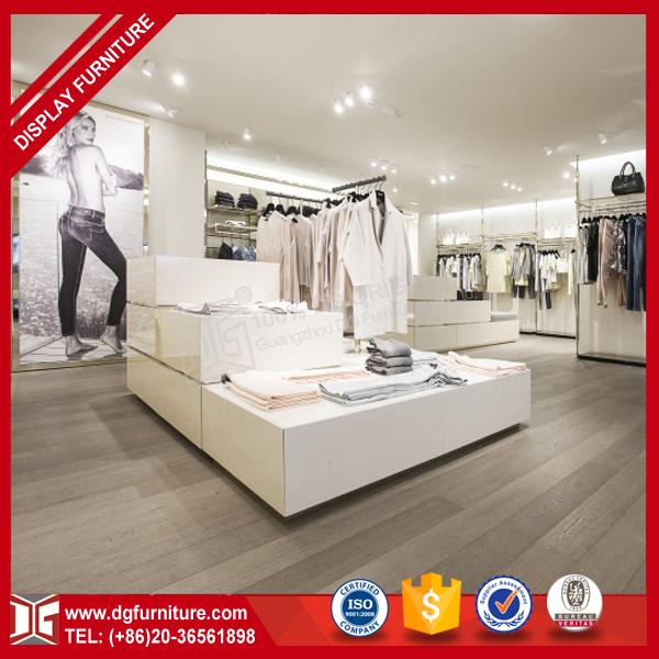 Muebles de madera para tienda de ropa for Catalogo de muebles de madera mdf