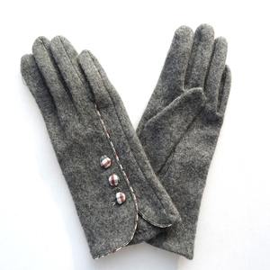 bbc97e752 China Sheep Wool Gloves, China Sheep Wool Gloves Manufacturers and  Suppliers on Alibaba.com
