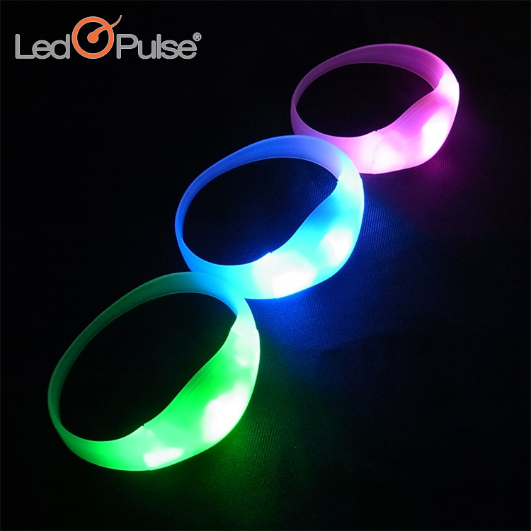 Party concert custom motion activated flashing bracelets led wristbands silicon sound activated Led bracelets