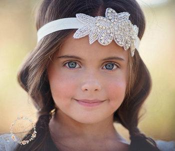 New Fashion Children Baby Girls Pearl Flower Leaves Hairband Rhinestone  Headband Wedding Bride Photography Props Tiara 6d13b55cd42
