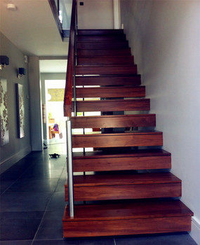 Prefabricated Internal Wooden Treads Structure Floating Staircase