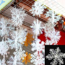 PVE Christmas Accessories 30x Christmas Holiday White Snowflake Charms Festival Decoration Ornaments