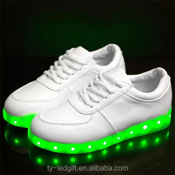 scarpe nike con le luci