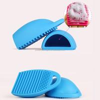 Portable Make Up Brush Cleaner Finger Glove handy hook makeup brush cleaner