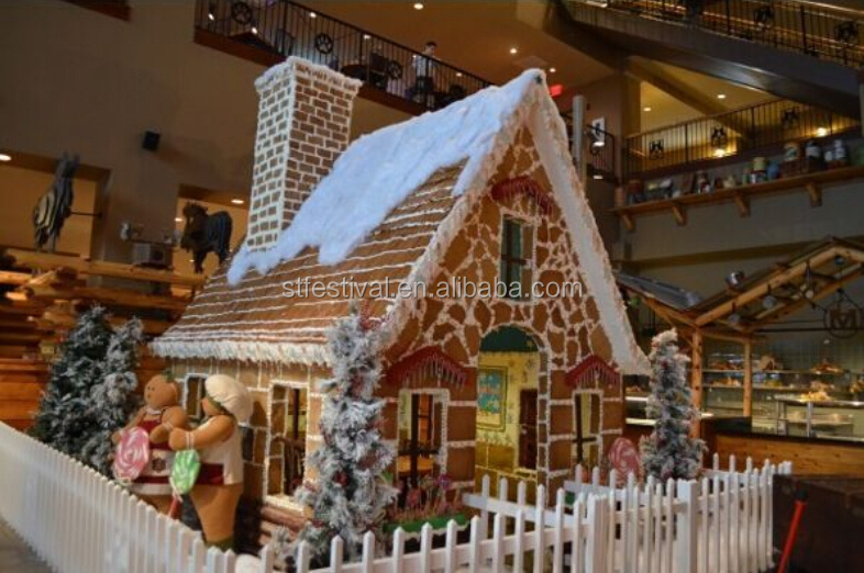 2015 Decorated Giant Gingerbread House For Shopping Centre