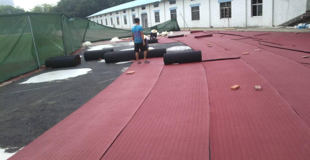 Outdoor/indoor Geprefabriceerde tapijt running track systeem voor sport veld oppervlak vloeren