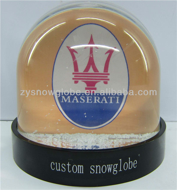 2018 custom plastic water snow globe for putting car pictures