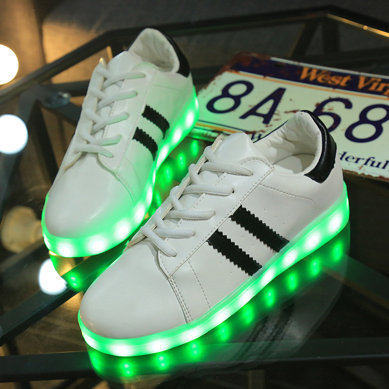 Up Temps Ecolesaintmichel Shoes Traite Adidas Limité That Light rdoQEeWCxB