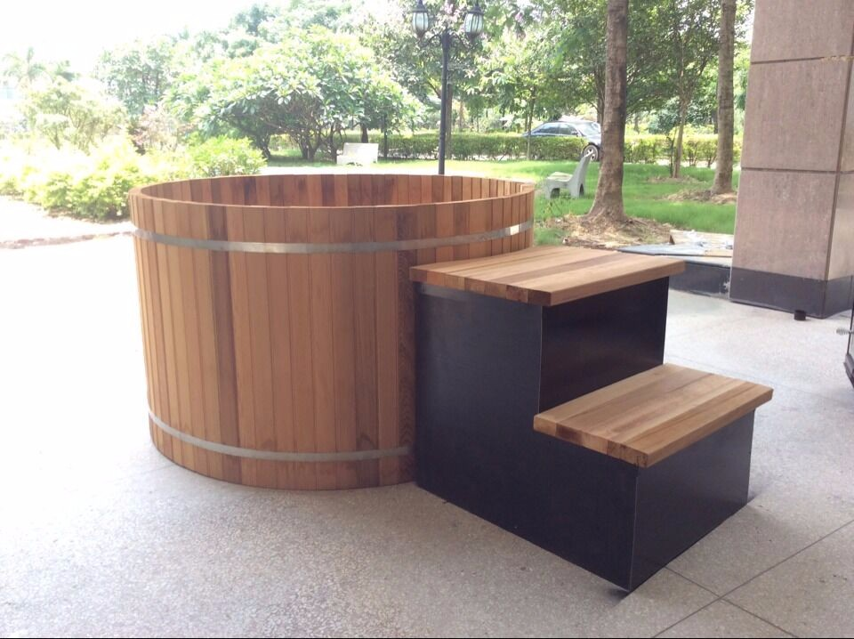 Chinese outdoor wooden barrel bath tub price buy bath for Outdoor badewanne