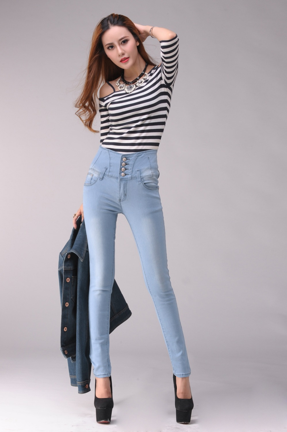 Women's High Rise Jeans. Buckle's collection of high rise jeans for women includes a variety of options to fit your unique style. Top off your outfit with the perfect tank, wedges, and hat or hair bloggeri.tk high-waisted jeans from many top brands, you'll find the perfect fit from the collection of high rise jeans for women at Buckle.
