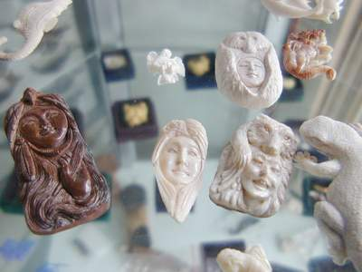 Indian Face On Bone Carving Buy Carving Crafts Product On Alibaba Com