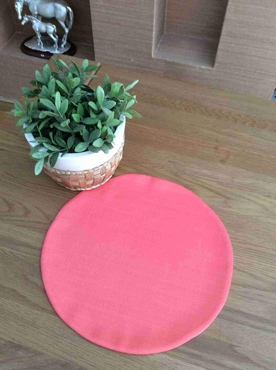 "TekgulDesign Red Placemats,%100 Polyester, Handmade, Diameter: 35cm (14""), Crease Resistant and Stain-Proof Fabric, Modern and Colorful Ultra HD Graphics."