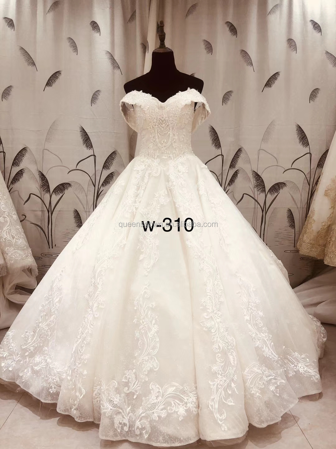 New Lace Appliqued Modern 2018 Patterns Bridal Gown Customized Full