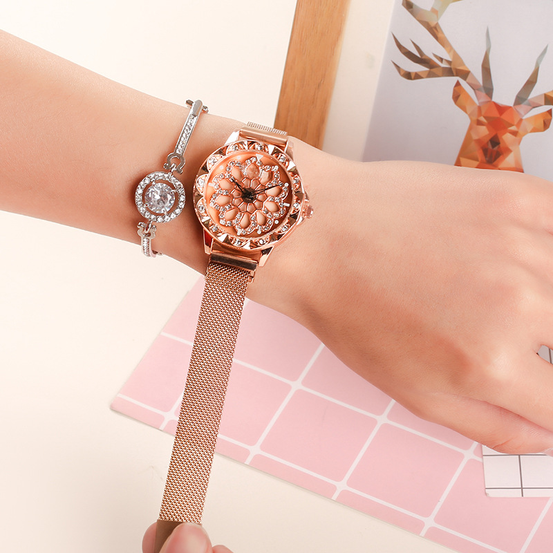 Hot Sale Mesh Belt Rotate Dial Novel Popular Women Watches Magnet Buckle Clock reloj mujer Bracelet Lady Watch