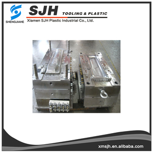 Hot runner mould making plastic injection housing,standard plastic injection mold base manufacturing factory