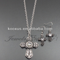 Crystal Studded Fasion Cross Necklace Set jewelry