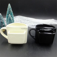 Bolk Items 2016 innovative product Personality Ceramic biscuit pocket mug / coffee cup with cookie holder 280ml