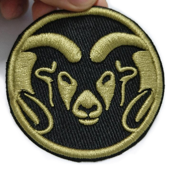 custom cheap promotional 100% polyester overlock embroidery patch logo