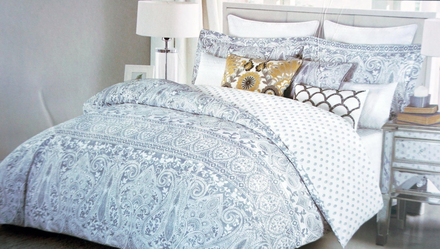 Nicole Miller Bedding 3 Piece King Duvet Cover Set Gray Paisley Medallion Pattern On White