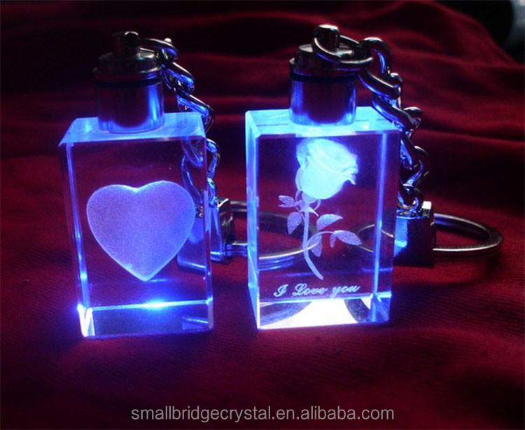 Da Sposa su misura di Favore 3d Incisione Laser di Cristallo di Vetro Portachiavi Per Regalo di Nozze di Ritorno