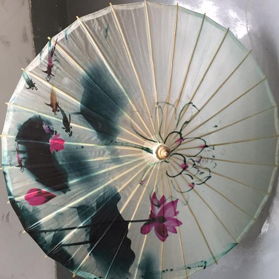 Chinese tradition fancy old fashion paper parasol with bamboo parasol frame