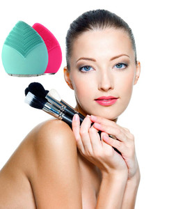 New Arrival 4 In 1Cleansing Brush Face Massager Rotating Electric Facial