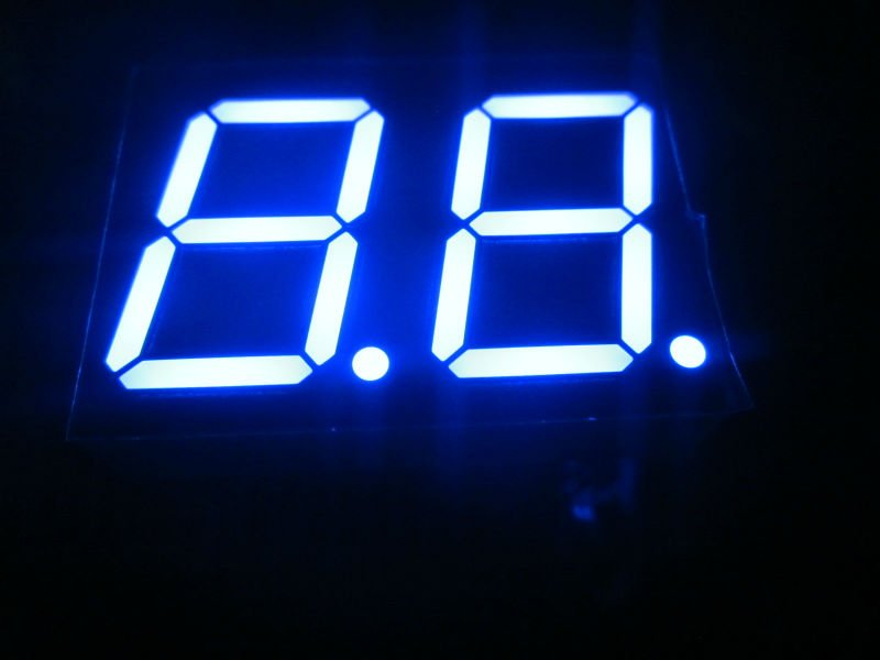 white 0.56 led digit 7 segment display dual digit