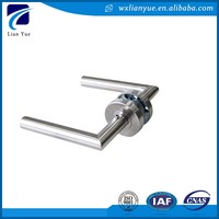 Universal remove lever door handle