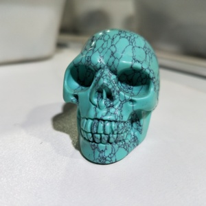 Wholesale Hot Sale High Quality Natural Hand-carved Turquoise Gemstone Carved Skulls