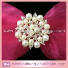 new style hot sell flower rhinestone brooch pins wholesale cheap decorative rhineston rhinestone jewelry brooch for wedding