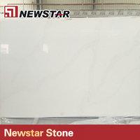 Countertop quartz that looks like calacatta marble