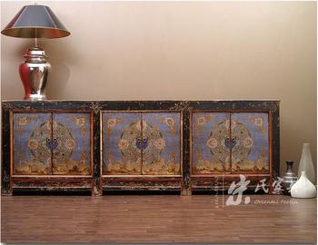 Traditional Chinese Furniture Vintage Furniture China Antique Black And Purple  Furniture Distress Lacquered Three Door Cabinet