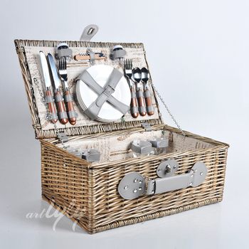 Wholesale European Wicker Picnic Basket For 4 Person Picnic Hamper
