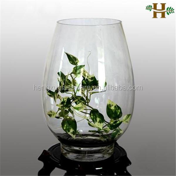 Glazen vaas decoratie artikelen voor stoffering glas en for Decoratie in vaas