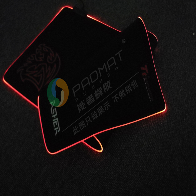 Custom Gaming Verlichting RGB LED Muismat Fabrikanten, Glowing Led Mousepad, non-Slip Rubberen Basis Computer Toetsenbord Mat
