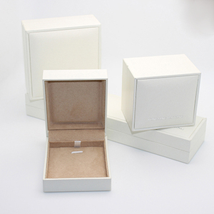 OEM white leatherette cover jewelry box for diamond