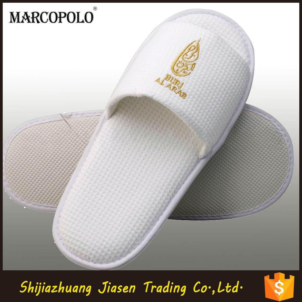 China Cotton Fabric White Hotel Slippers In Eva Sole