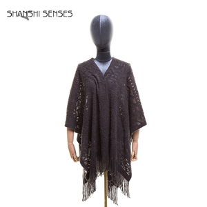 Ladies acrylic ruana knit ladies fancy poncho shawl with lace