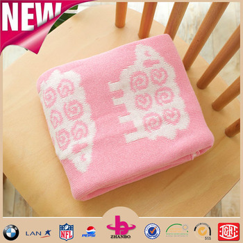 Pink Background Sheep Jacquard Pattern Sofa Bed Covering Cable Knit  Blankets And Throws